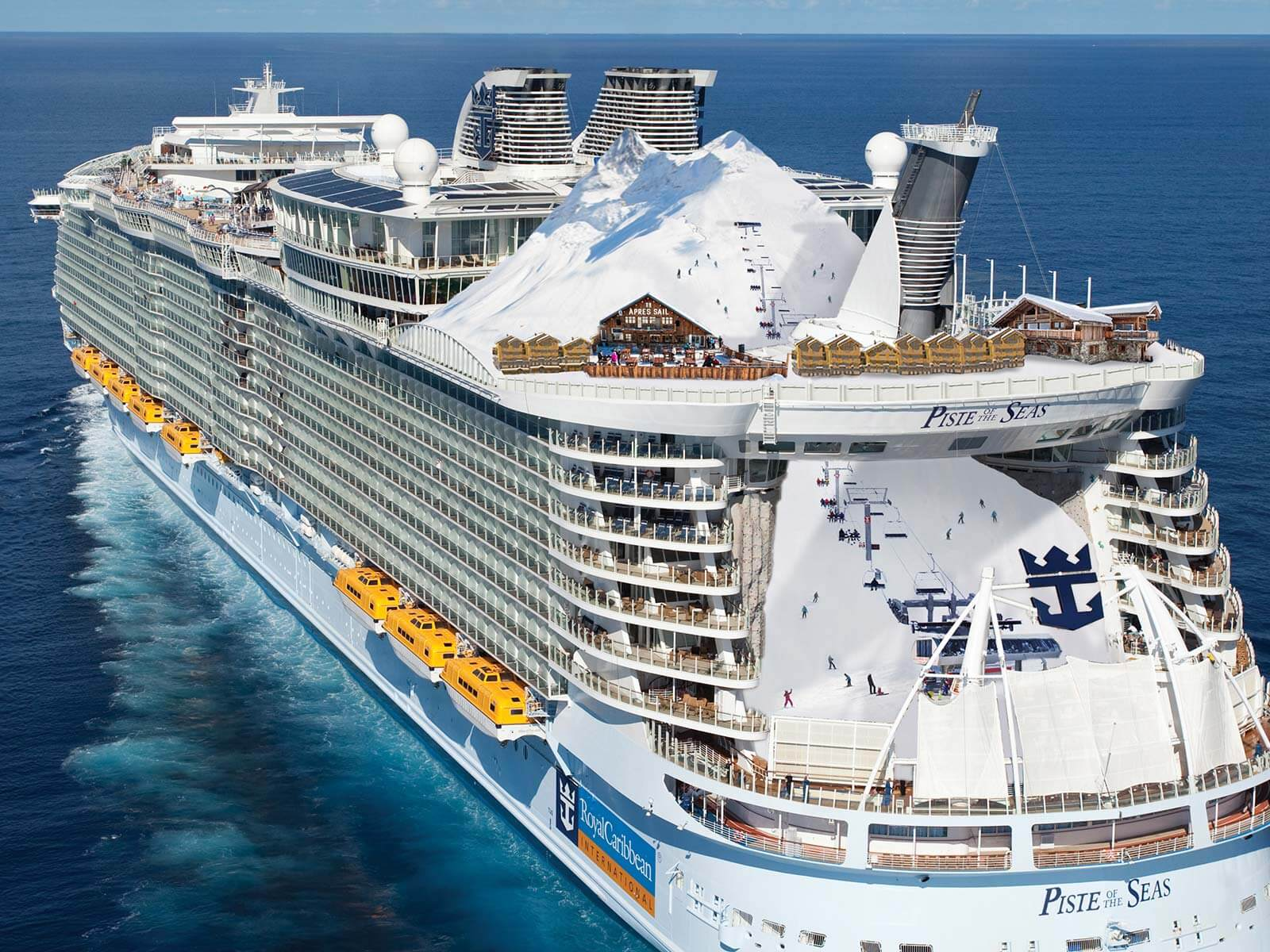«Дочка» Royal Caribbean в Испании продаст три круизных лайнера на металлолом из-за последствий пандемии